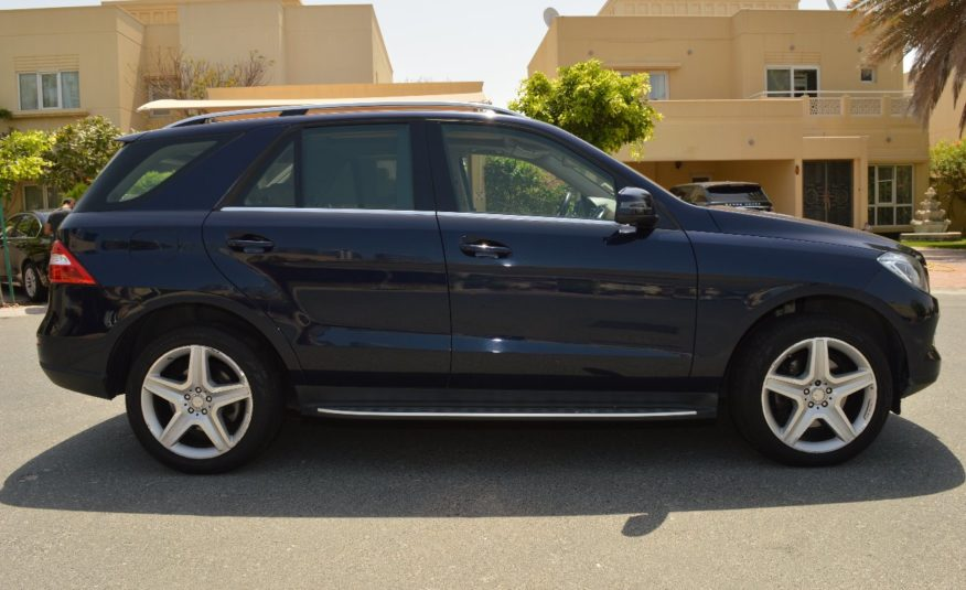 Mercedes Benz ML 400 4MATIC- AED 1,610/MONTH