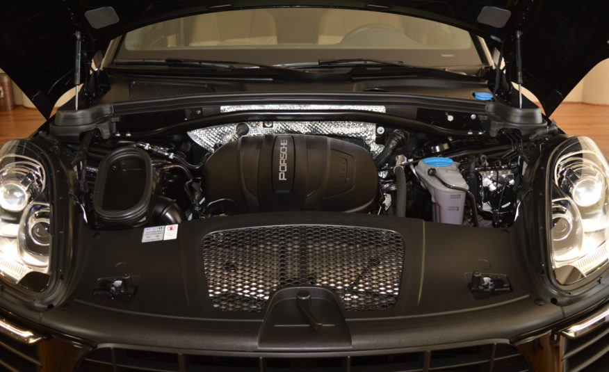 Porsche Macan-                    AED 2,418/mo